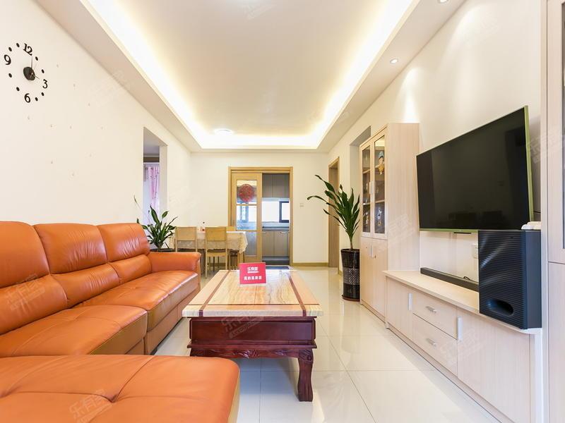 出售万科翡丽山3房2厅精装修西北售价190万二手房