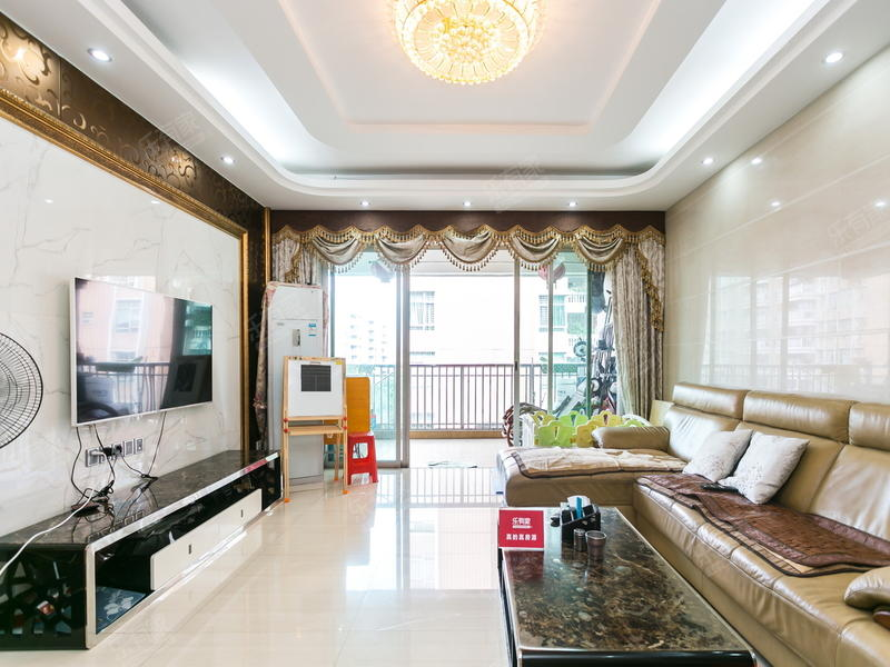 富怡名居,精装超大三房出售。二手房
