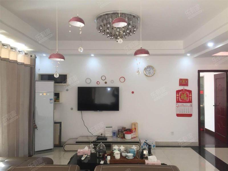 隆福花园北精装3室2厅131.23m²二手房