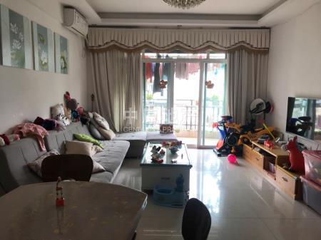 温馨三房满五唯一居家装修保养不错二手房