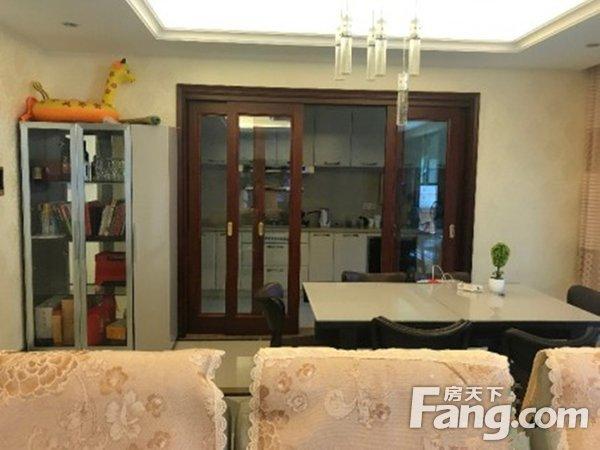 出售万科翡丽山4房2厅豪华装修朝南售价320万二手房