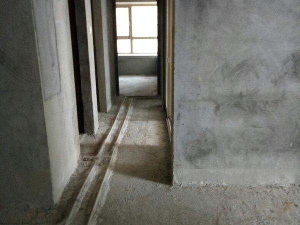 南城汇龙湾4室2厅二手房
