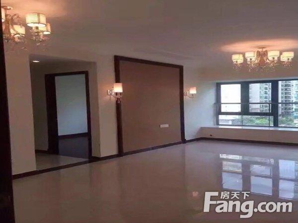 出售恒大御湖3房2厅精装修东北售价230.0万二手房