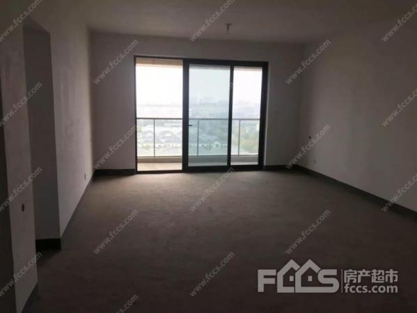 不沿街,楼层好,带车位,诚心出售二手房