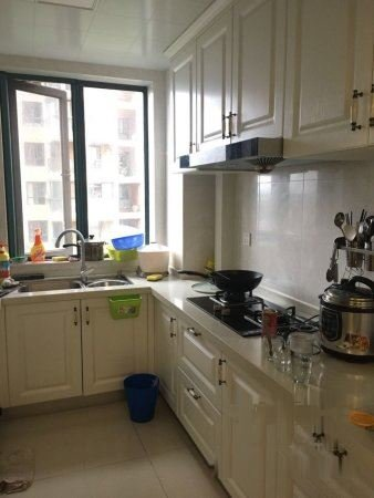 颐和名苑豪华装修送家具101平落户好房150W不包营业税二手房