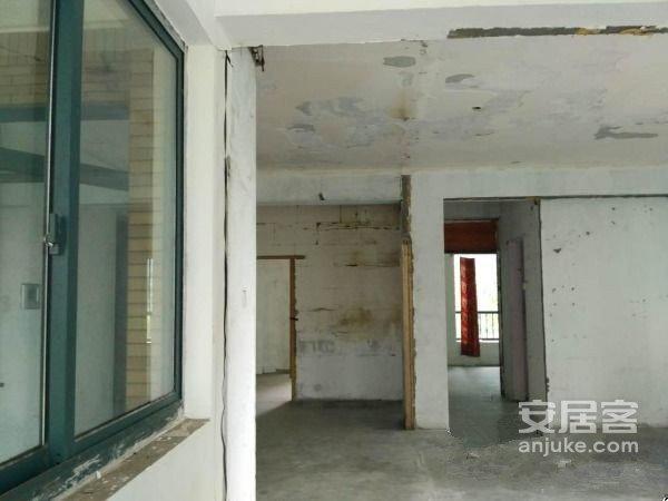 二号线云霞路站旁中庭2楼东首全亮间白坯有钥匙二手房
