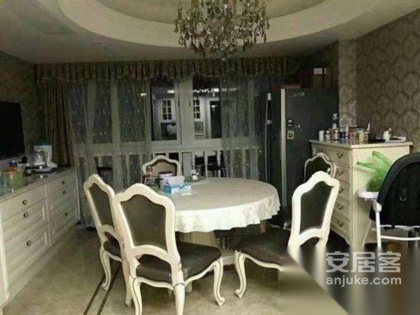 大设计师水准豪华装修高品质小区人文拔萃给您与家人温馨二手房