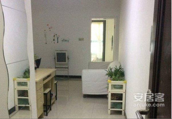 雍城世家,户型正,正规一室一厅,看房方便,房东急售欢迎来电二手房