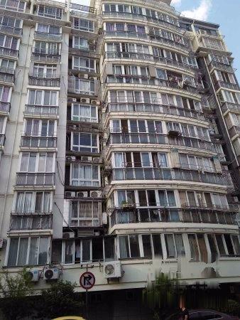 江南春晓+1.5楼+送40平私家花园和地下室+位置好+实图二手房