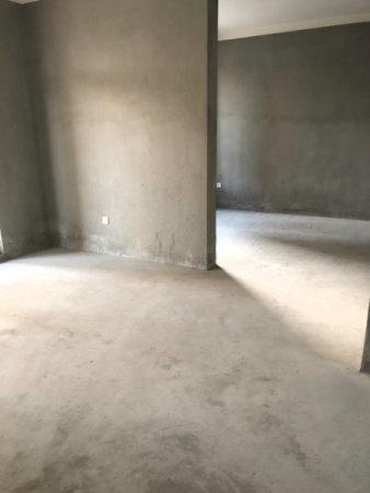 东部新城银泰城四房全亮间全新毛柸楼层位置好二手房