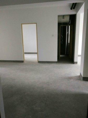 枫林湾60万2室2厅1卫毛坯,难得的好户型急售二手房