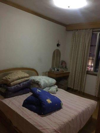 槐树公寓特价房,2房朝南全亮间,三江口,低于市场价格有钥匙二手房