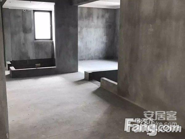 东部新城宜家花园东首中高楼层132平送30平三个阳台二手房