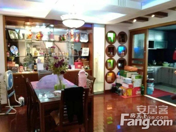 江南春晓1十2楼187平送院子真实出售附近有数套二手房