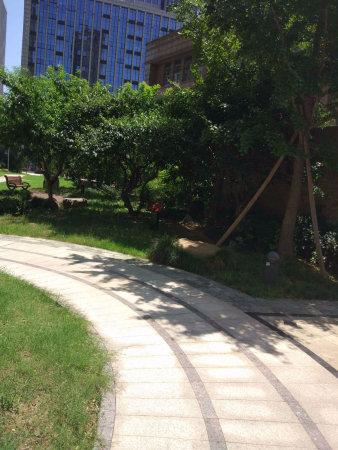百隆东外滩花园,户主代理,亏本急售!二手房