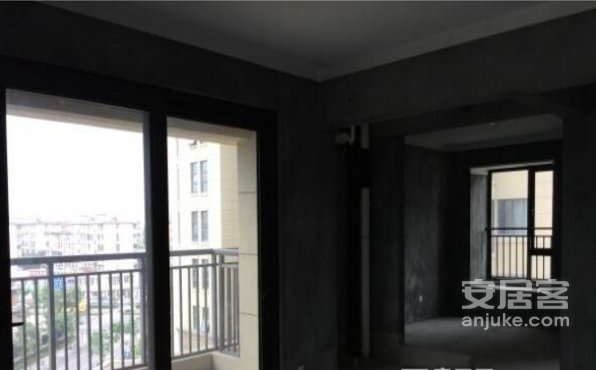 专做银亿东岸106平白坯婚房优选三房朝南中层位佳送三阳台二手房