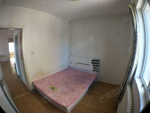 室内精装修拎包入住二手房
