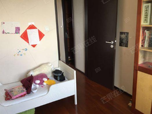 香堤湾3室2厅2卫156.94㎡二手房