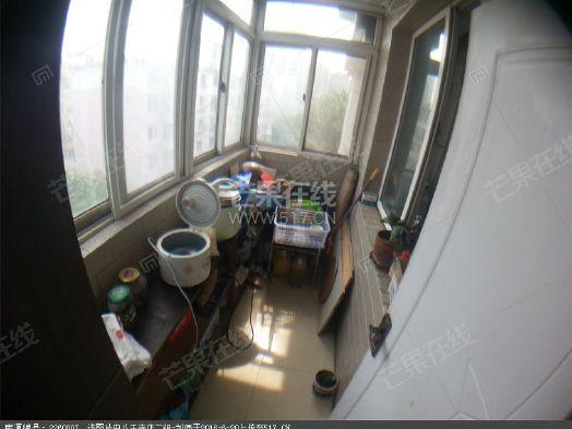 精装三室全新家具家电拎包入住二手房
