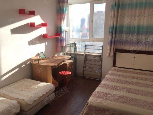 新湖御和园,精装小两室,对园区里,家具家电可赠送!二手房