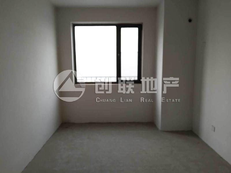 国际城四期通透三居室业主诚心出售二手房