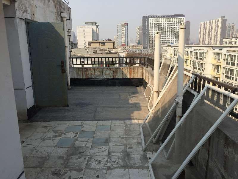 嘉实栖园三室房龄新带地下室带平台二手房