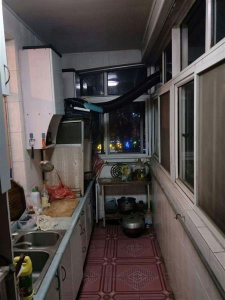 炼油厂宿舍偏门南北通透全明户型二手房