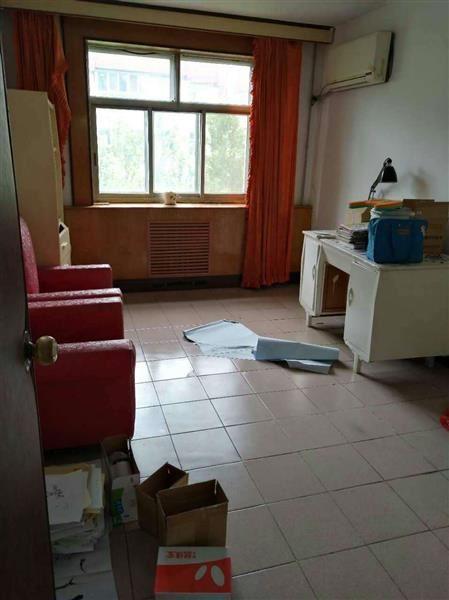 西苑小区 3室2厅2卫 简装修  二手房