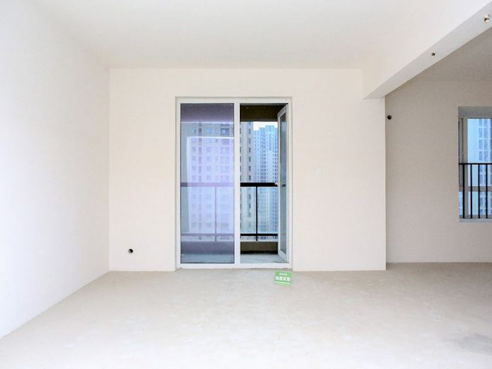 此房南北通透是百瑞景少有的通透户型小区环境优美闹中取静,二手房